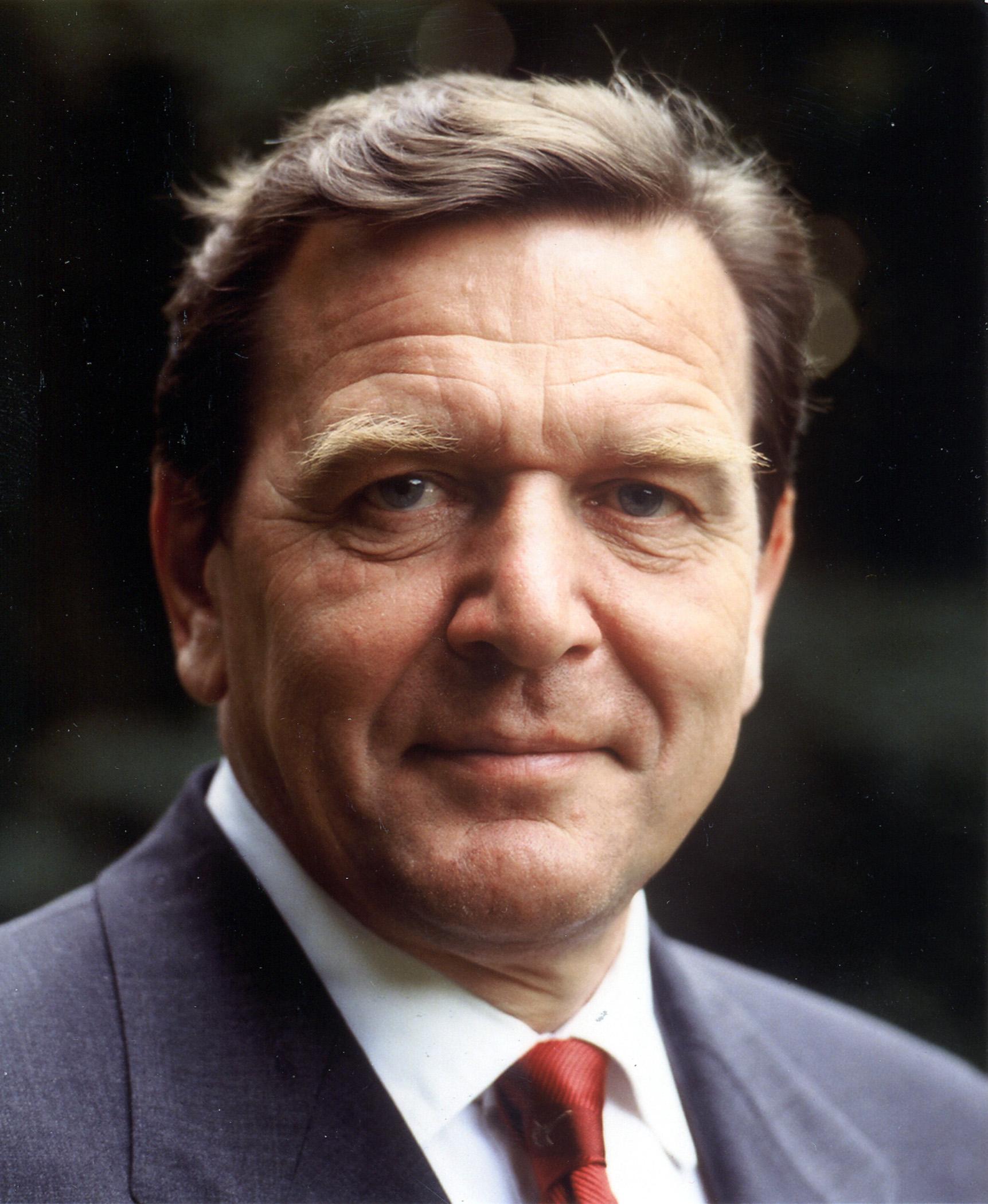 5c9e53b6563c28 Reprise  Les leçons de Gerhard Schröder à François Hollande