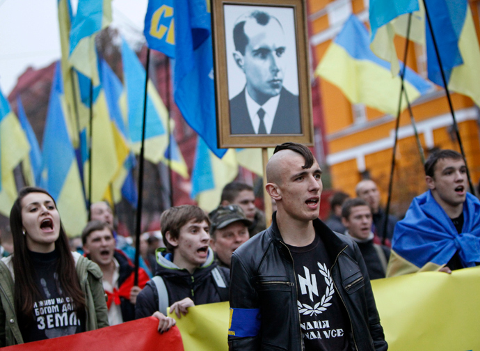 Affrontements en Ukraine : Ce qui est caché par les médias et les partis politiques pro-européens - Page 15 Manif-svoboda-21