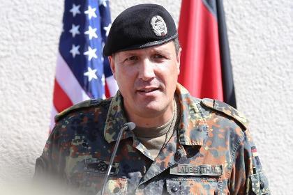 Le général Markus Laubenthal, ancien commandant de la 12ème brigade blindée d'Amberg, Bavière, est depuis le 29 août 2014 chef d'État-major de l'US Army Europe (USAREUR)