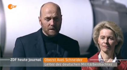 Schneider, accueilli à son retour de « captivité » par la ministre de la Défense Ursula von der Leyen