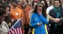 7767754681_une-jeune-femme-pleure-lors-d-une-veillee-le-lendemain-de-l-attentat-de-boston-le-15-avril-2013