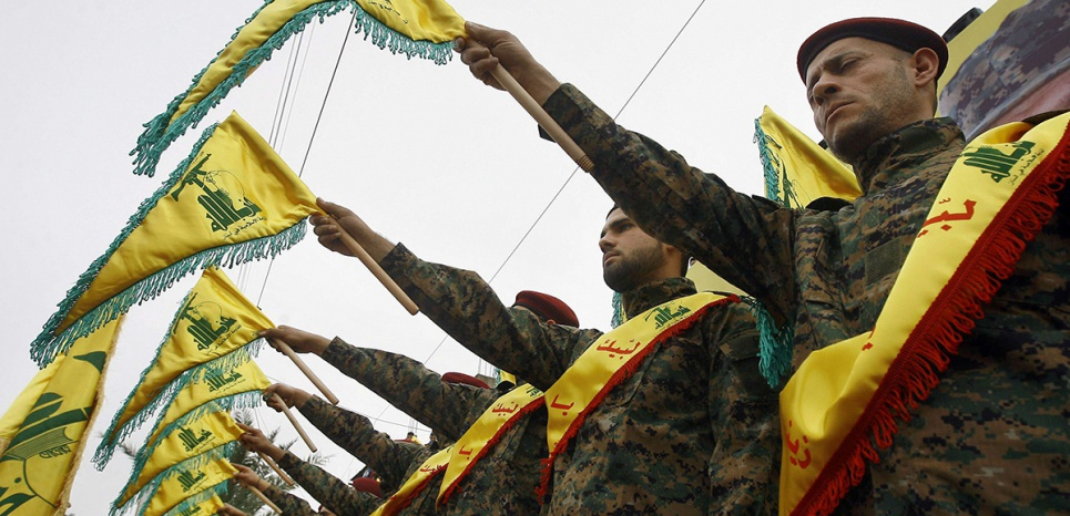 Des soldats du Hezbollah lors des funérailles de l'un des hauts commandants du groupe, Ali Fayyad, le 2 mars 2016. (Mohammed Zaatari/AP/SIPA)