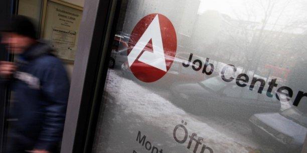 Le taux de chômage au sens national est stable à 6,2 % en mars en Allemagne. (Crédits : © Thomas Peter / Reuters)