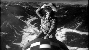 Une scène de « Docteur Folamour »dans laquelle le pilote de bombardier (joué par Slim Pickens) chevauche une bombe nucléaire vers sa cible en Union soviétique.