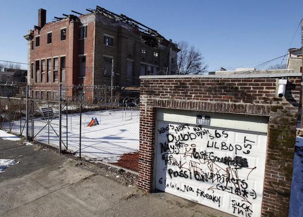 Camden, l'une des villes américaines les plus pauvres, fait partie des municipalités du New Jersey touchées par le fléau de la crise depuis la disparition de leur industrie. (Mel Evans / AP)