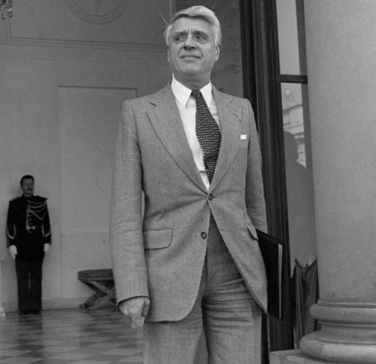 Robert Boulin, ministre du Travail, le 26 septembre 1979, un mois avant sa mort. (MARCEL BINH / AFP)
