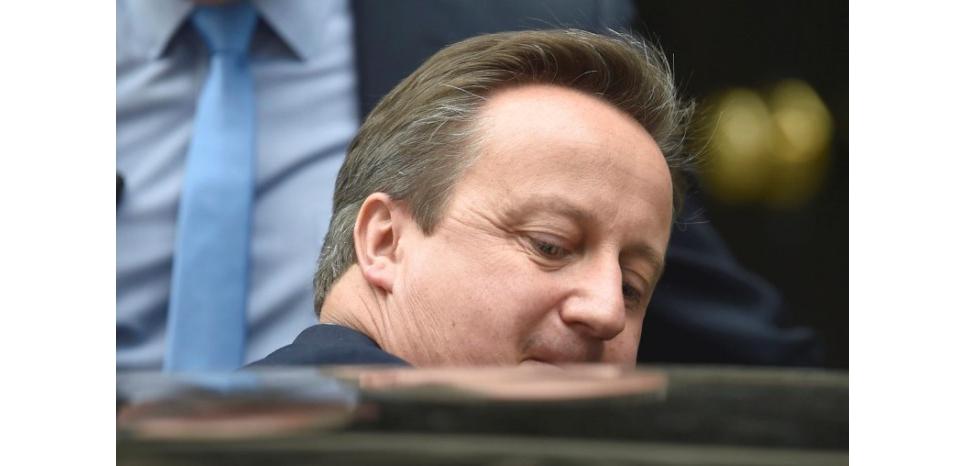 Le Premier ministre britannique, David Cameron, a déclaré lundi devant la chambre des Communes que Londres n'invoquerait pas à ce stade l'article 50 du Traité européen de Lisbonne, qui enclenche le processus de négociations de retrait d'un pays de l'UE. /Photo prise le 27 juin 2016/REUTERS/Toby Melville (c) Reuters