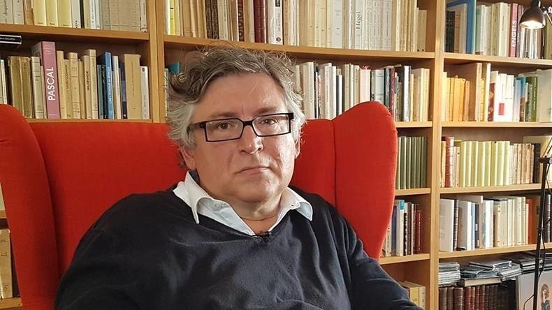 Michel Onfray a reçu RT France dans son domicile de Caen, sa ville de toujours.