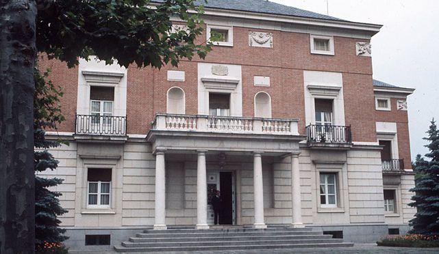 L'entrée principale du palais de La Moncloa, siège de la présidence du gouvernement espagnol (photographie : El Confidencial)