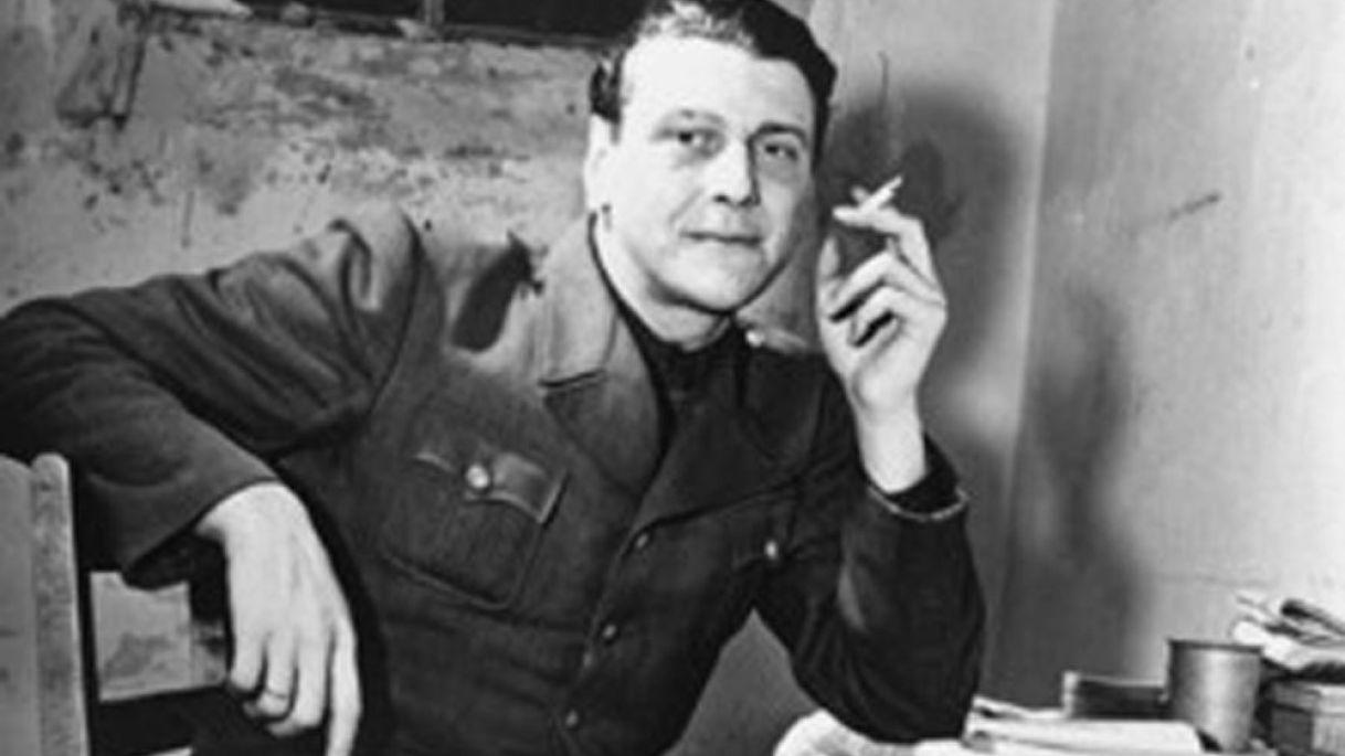 Otto Skorzeny, témoin aux procès de Nuremberg, attendant dans une cellule, 24 novembre 1945. Credit: Wikimedia Commons