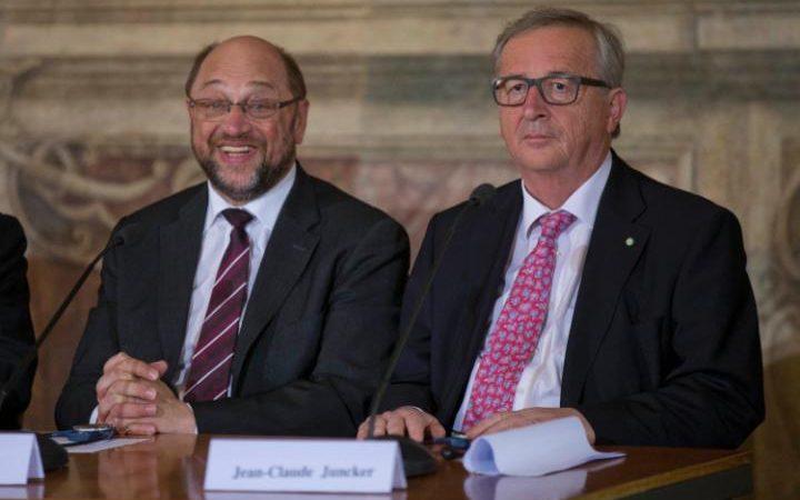 Le président de la Commission européenne Jean-Claude Juncker, à Rome, avec Martin Schulz, président du Parlement