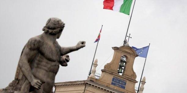 L'Italie peut soutenir ses banques, pas encore les sauver. (Crédits : © Alessandro Bianchi / Reuters)
