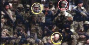 Photographie publiée par le New York Times, censée avoir été prise en Russie, de soldats russes qui vont, plus tard, apparaître en Ukraine. Cependant, le photographe a depuis affirmé que la photo avait, en fait, été prise en Ukraine et le département d'État a reconnu l'erreur.