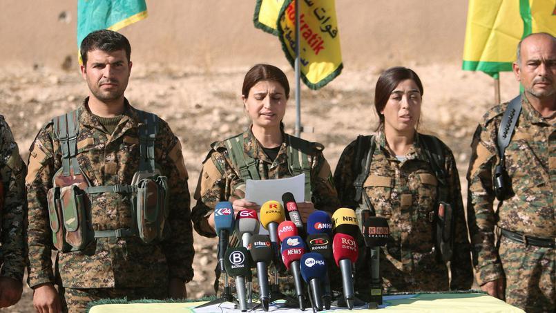 Coimbattants Kurdes lors d'un point presse à propos de l'opération contre Raqqa, capitale syrienne de l'Etat Islamique. Crédits photo : RODI SAID/REUTERS