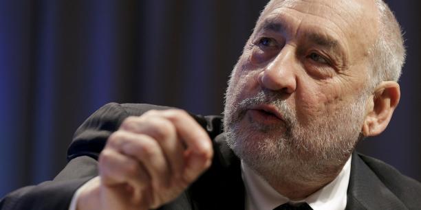 Ce rapport fait suite à la participation de Stiglitz (photo) et Pieth à un comité d'experts indépendants créé en avril par les autorités panaméennes après le scandale des