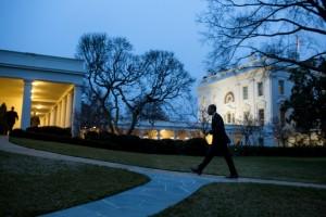 Le président Barack Obama revient à la Maison-Blanche, le 17 janvier 2013. (Photo officielle de la Maison-Blanche par Pete Souza)