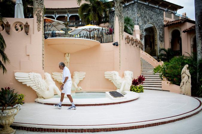 Mar-a-Lago, le club de M. Trump à Palm Beach, Floride. On considère que M. Trump a été le premier propriétaire de club privé du lieu à admettre des couples ouvertement gays. Eric Thayer pour le New York Times.