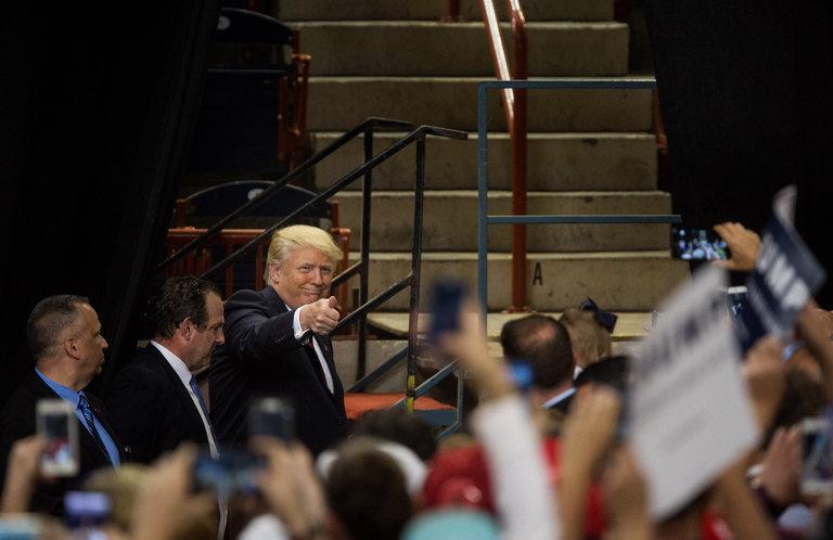 Donald J. Trump à Harrisburg, Pennsylvanie, ce jeudi. Son point de vue sur les homosexuels et leurs droits est ce qui distingue le plus M. Trump des précédents porte-drapeaux républicains. Credit Damon Winter/The New York Times