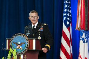 Le général de corps d'armée Michael Flynn, maintenant à la retraite, choisi par le président élu Donald Trump comme conseiller à la sécurité nationale. (DoD photo by Erin A. Kirk-Cuomo)