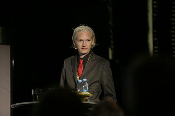 Le sens du sort réservé à Julian ASSANGE : réduire au silence la presse réellement libre ! dans - DROITS 1-37-590x393